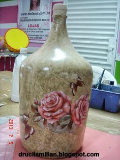 Arteirices da Dru: Reciclando Garrafão de Vinho - Técnica 3D - Scrap Decor                                                                                                                                                                                 Mais