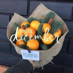 Привет Декабрь ☃️❄️ Мы официально начинаем делать зимние букетики Наш первый витаминный красавец готов 1200₽ #цветочнаялавкаlove#доставкацветов#свадебныебукеты#оформлениесвадьбы#казань#даритестильно Ждём всех с радостью по адресу Ямашева,45