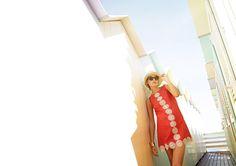 La collezione primavera estate 2016 DanaPisarra può definirsi una proposta completa di ciò che la moda per la prossima stagione calda consiglia a donne che cercano nell'abbigliamento e non solo, la…