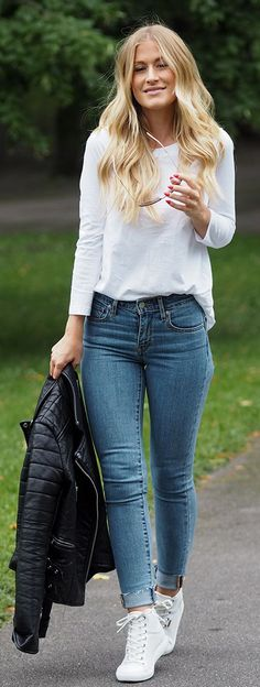 Lene Orvik White And Denim Basics Everyday Time Off Outfit Idea