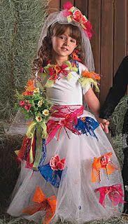 Vestido para noivinha da quadrilha: collant branco, saia de tule com apliques de fitas de cetim! Uma graça!