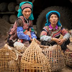 Hani women at market by William Yu on 500px