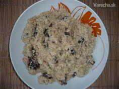 Varené pšeno s orechmi, sušenými slivkami a medom (fotorecept)