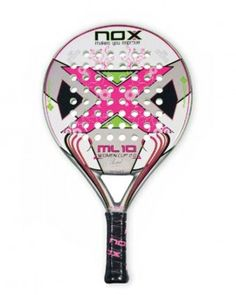 Pala de pádel NOX ML10 Women Cup 2.0 Espectacular el nuevo diseño de la pala top en la gama femenina de la marca. A su estética impactante se unen un excelente control y una mejorada potencia. Pala muy manejable, fabricada en pesos bajos para dotarla de mayor comodidad.