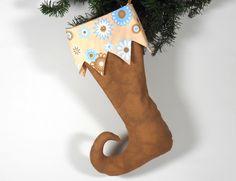 Nikolausstiefel als Elfenstiefel. Schon mal einen Elfenstiefel für die Deko oder als Geschenkverpackung benutzt? #wertvolleWeihnacht