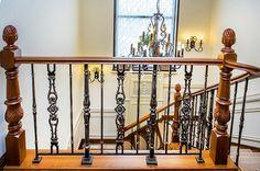 Элитные деревянные лестницы, художественное литье Grande forge (Франция) - «Mercury Forge» #stairs #decor #home #grandeforge #художественноелитьё #mercuryforge #лестницы #ограждения #москва #дом #интерьер