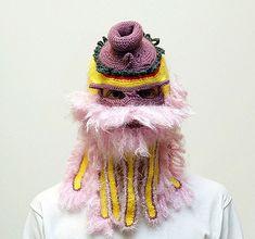 Regularmente los lunes la gente anda con mascaras.