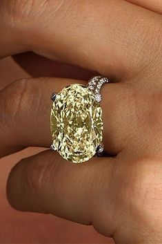 Yellow Diamond Engagement Rings That Every Girl Wants ★You can find Yellow diamonds and more on our website.Yellow Diamond Engagement Rings That Every. Yellow Diamond Engagement Ring, Diamond Solitaire Rings, Solitaire Engagement, Diamond Jewelry, Raw Diamond, Wedding Jewelry, Wedding Rings, Wedding Veils, Ring Verlobung
