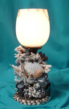 converting candlesticks & glass with seashells Beach Themed Crafts, Sea Crafts, Seashell Art, Seashell Crafts, Shell Lamp, Seashell Projects, Beach Christmas, Beach Art, Coastal Decor