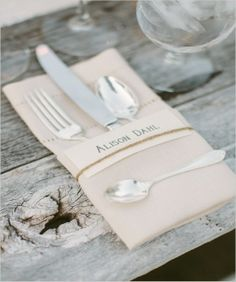 Simple place card with twine