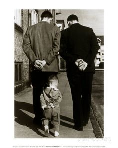 Photo by Robert Doisneau my favorite photographer! His photos captured his personality very well Love the three generations represented. Robert Doisneau, Black White Photos, Black And White Photography, Old Pictures, Old Photos, Funny Pictures, Quote Pictures, Jolie Photo, Photojournalism