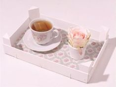 DIY Tutorial riciclo creativo , fai da te , come trasformare una cassetta della frutta in un mini vassoio Shabby Chic , come riciclare una cassetta della fru... Painted Furniture, Diy Furniture, Wood Crafts, Diy Crafts, Fruit Box, Shabby Chic Decor, Diy Painting, Wooden Boxes, Diy Tutorial