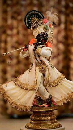 Krishna Janmashtami Wishes, Images, Qoutes, And Messeges Radha Krishna Holi, Lord Krishna Images, Radha Krishna Pictures, Krishna Photos, Krishna Radha, Cute Krishna, Krishna Songs, Krishna Leela, Shri Hanuman
