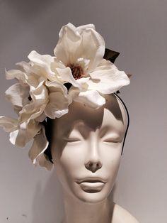 Ivory Fascinator- Magnolia Headband-Handmade-Magnolia Headpiece-Cocktail Hat-Derby-Flower Headdress-Bridal-Wedding-Hair accessory-Off white Flower Headdress, Bridal Headdress, Floral Headpiece, Fascinator Headband, Fascinators, Headpieces, Headband Flowers, Floral Headbands, Bridal Hairstyles