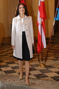 The Queen, Princess Mary, Princess Victoria and Queen Maxima: Gallery of the week's best royal style - Foto 12