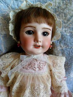Preciosa muñeca SFBJ molde 301 de Jumeau, 58 cm