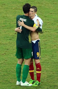 Fernando Torres with Roche, Tahiti goalkeeper. Tahiti vs Spain. Confederations cup. June 20, 2013.