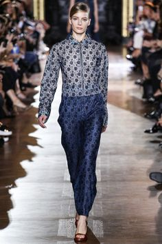 See all the Collection photos from Stella McCartney Spring/Summer 2014 Ready-To-Wear now on British Vogue Fashion Show, Fashion Design, Paris Fashion, Classic Fashion, Blue Fashion, Runway Fashion, Women's Fashion, Floaty Dress, High Fashion Dresses