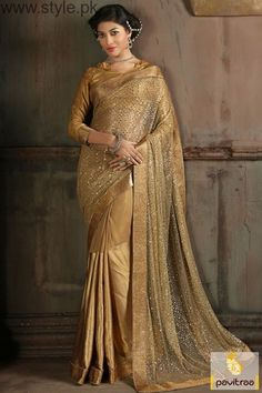 Here we have Golden Saree Collection. These golden color sarees are amazing. Golden Silk Saree can be wore on different events. Have a look to Golden Saree images. Latest Designer Sarees, Latest Sarees, Wedding Sarees Online, Saree Wedding, Fancy Sarees, Party Wear Sarees, Indian Dresses, Indian Outfits, Indian Attire
