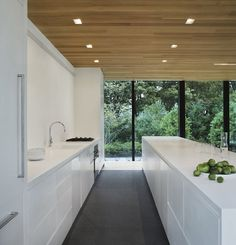 Love the clean lines and the Scandinavian touch with the ceiling @homedesignfind