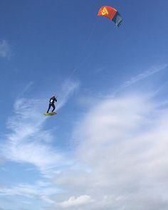 From antoinefermonkiteC'est partie pour aller à Tahiti par les airs ! Ses you soon  #kitesurfing #kiteboarding #kitesurf #kiteboard