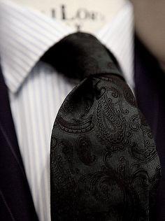 Tie | Black Paisley