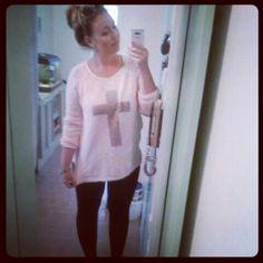 OOTD #leggins #cross #sweater