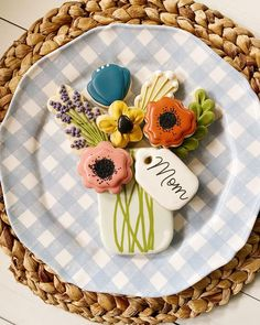 Flower Sugar Cookies, Mother's Day Cookies, Cookie Designs, Cookie Recipes, Cookie Ideas, Royal Icing, Cookie Decorating, Sweet Treats, Chocolate