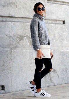 Pullover+kombinieren:+Sportlich+mit+Jeans+und+Sneaker