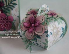 , Botanical Builder, Curvy Keepsake Box, Stampin' Up DIY Pape Diy Paper, Paper Crafts, Handmade Paper Boxes, Christmas Gift Box, Beautiful Handmade Cards, Pillow Box, Craft Box, Foam Crafts, Keepsake Boxes
