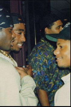 Tupac // Eazy-E // NWA // old school hip hop // legendary Mode Hip Hop, Hip Hop And R&b, Love N Hip Hop, 90s Hip Hop, Hip Hop Rap, Hip Hop Artists, Music Artists, 90s Artists, Tupac Shakur