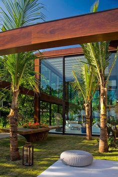 Laranjeiras Residence by Fernanda Marques Arquitetos Associados, Rio de Janeiro, Brazil.