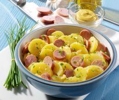 A szilveszter szinte elképzelhetetlen virsli nélkül. Legyen az hot dog, corn dog, tészta- vagy krumplisaláta, batyu, nyárs vagy falatkák, a vendégek imádni fogják. Íme 10 szuper virslis recept. Eat Pray Love, Hungarian Recipes, Hot Dog, Fruit Salad, Potato Salad, Bacon, Salads, Food And Drink, Mint