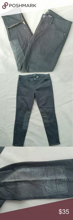 J CREW Black Riding-style Cropped Jeans Gorgeous leather panel detail on innter knee, with cute gold zippers at the ankles  Inseam 27 in Outer-seam 35 in  Feel free to ask me any additional questions. Bundles 15% off 3+. Happy Shopping! J. Crew Jeans Ankle & Cropped