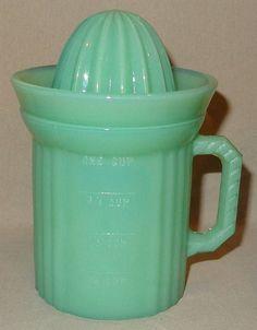 Jadeite 8 Ounce Measuring Cup Juicer