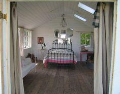 i love attics that look like tree houses