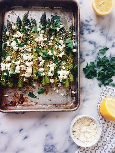 Pistachio Crusted Asparagus with Feta - Spargel Rezept Side Dish Recipes, Vegetable Recipes, Yummy Recipes, Vegetarian Recipes, Cooking Recipes, Yummy Food, Healthy Recipes, Dessert Recipes, Lasagna Recipes