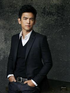 John Cho- Sweater under blazer with jeans.