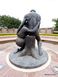 this just broke my heart! Cemetery Statues, Cemetery Art, African History, African Art, Black History Facts, Texas History, Afro Art, African American History, Bronze