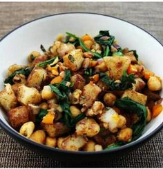 Warm Potato Salad With Spinach and Chickpeas [Vegan] | One Green Planet