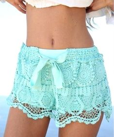 Carefree Comfort Lace Shorts - LOVE These!!  www.thechicfind.com