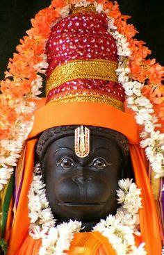 Panchamukha Hanuman Homa is unique as it invokes five forms of Hanuman that represent powerful temples of India. Hanuman Murti, Hanuman Jayanthi, Hanuman Pics, Jai Hanuman Images, Hanuman Ji Wallpapers, Mahakal Shiva, Lord Shiva, Hindu Deities, Hinduism