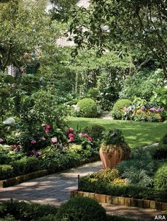 u will probably notice that i pin alot of different gardens because i would look at all of them to combine into one big dream garden but this one looks so GREEN