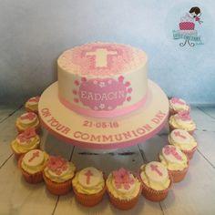 Floral Cross Communion Cake and Cupcakes www.littlecakefairydublin.com www.facebook.com/littlecakefairydublin Holy Communion Cakes, Cupcake Cakes, Cupcakes, Little Cakes, Baby Shower Cakes, Confirmation, Little Things, Christening, Holi