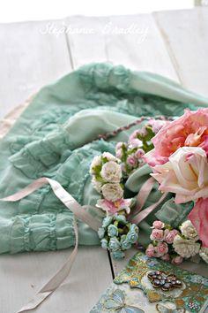 Shabby Chic--I love aqua and pink together...