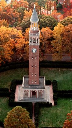 UNC Campus Bell Tower - I used the Bell Tower to help me navigate the campus for the first couple of weeks as a freshman. North Carolina Homes, University Of North Carolina, Unc Chapel Hill, Unc Tarheels, Dream School, College Campus, United States Travel, Carolina Blue, Tar Heels