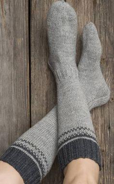 novita nalle polvisukat pitkävartiset villasukat nalle-langasta koot 30, 38 ja 42