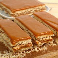 Masa do wafli - wystarczy ją przygotować i przełożyć nią wafle, a słodki i smaczny deser już jest gotowy. Kokosowa, czekoladowa...