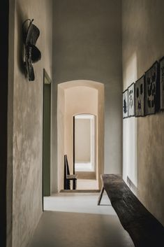 Decoration Inspiration, Interior Inspiration, Slab Table, Interior Decorating, Interior Design, Design Design, Design Ideas, Minimalism, Wall Lights