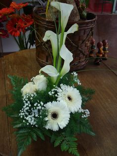 Creative Flower Arrangements, Church Flower Arrangements, Church Flowers, Beautiful Flower Arrangements, Funeral Flowers, Big Flowers, Exotic Flowers, Flower Centerpieces, Faux Flowers